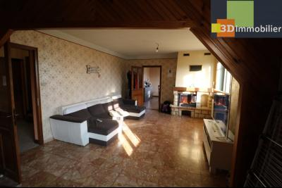 Secteur Chaussin, vends grande maison, 6 pièces, 157m², dépendances sur 2219m² de terrain clos, salon/séjour 30m²