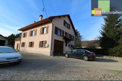 Secteur Chaussin, vends grande maison, 6 pièces, 157m², dépendances sur 2219m² de terrain clos, vue de gauche