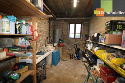 Secteur Chaussin, vends grande maison, 6 pièces, 157m², dépendances sur 2219m² de terrain clos, puits et adoucisseur d