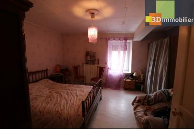 Chaussin centre vends maison de ville 5 pièces, 85m², cour 165m² et dépendances., chambre 15m²