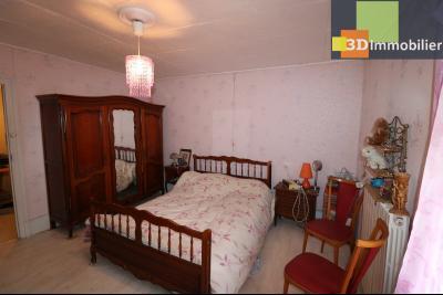 Chaussin centre vends maison de ville 5 pièces, 85m², cour 165m² et dépendances., chambre 15.50m²