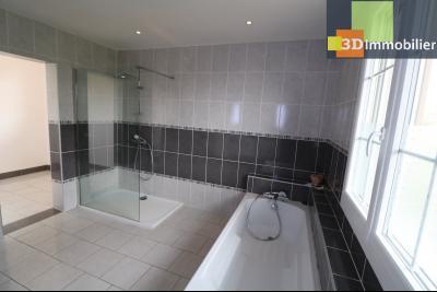 Chaussin vends confortable maison de 6 pièces, 150m², sous-sol total sur 3300 m² de terrain., idem