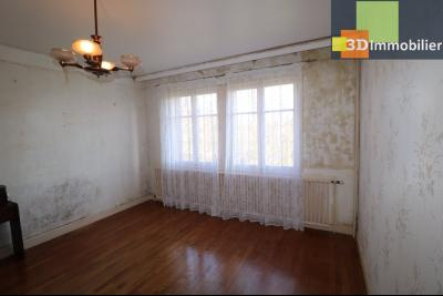 Chaussin (39 Jura), maison de 6 pièces, 130m² habitables, dépendance de 140 m² sur 3500m² de terrain, chambre 1/salon15m²
