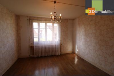 Chaussin (39 Jura), maison de 6 pièces, 130m² habitables, dépendance de 140 m² sur 3500m² de terrain, chambre étage 3  15m²
