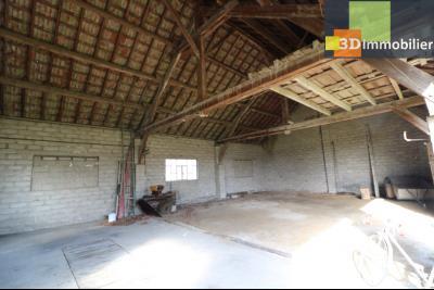 Chaussin (39 Jura), maison de 6 pièces, 130m² habitables, dépendance de 140 m² sur 3500m² de terrain, intérieur dépendances 140m²