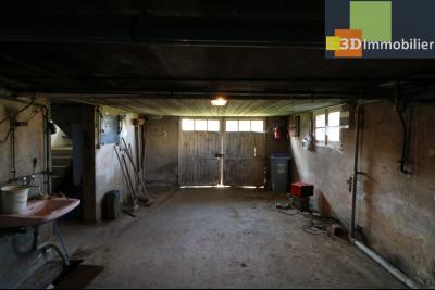 Chaussin (39 Jura), maison de 6 pièces, 130m² habitables, dépendance de 140 m² sur 3500m² de terrain, s/sol avec garage 2 voitures