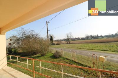 Chaussin (39 Jura), maison de 6 pièces, 130m² habitables, dépendance de 140 m² sur 3500m² de terrain, vue depuis terrasse
