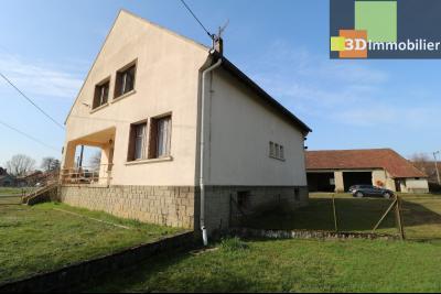 Chaussin (39 Jura), maison de 6 pièces, 130m² habitables, dépendance de 140 m² sur 3500m² de terrain, coté droit