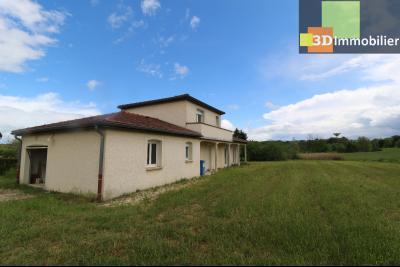 Chaussin, vends maison style provençal 7 pièces, 145 m² habitables sur terrain de 5580 m²., vue de gauche arrièree