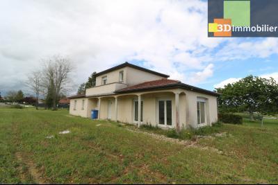 Chaussin, vends maison style provençal 7 pièces, 145 m² habitables sur terrain de 5580 m²., Vue de face droit