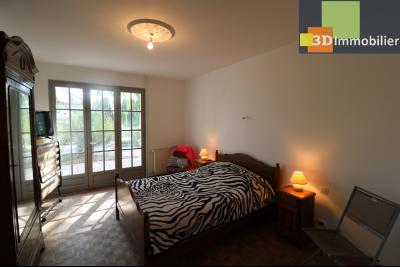 Proche CHAUSSIN vends très belle maison de 6 pièces, 196 m² , garage sur 1100m² de terrain clos., chambre en RdC 15m²