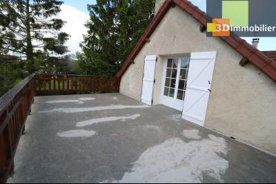 Proche CHAUSSIN vends très belle maison de 6 pièces, 196 m² , garage sur 1100m² de terrain clos., terrasse de la suite 22m²