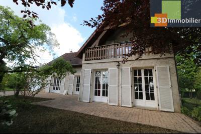 Proche CHAUSSIN vends très belle maison de 6 pièces, 196 m² , garage sur 1100m² de terrain clos., vue de droite