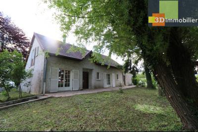 Proche CHAUSSIN vends très belle maison de 6 pièces, 196 m² , garage sur 1100m² de terrain clos., vue arrière