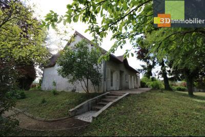 Proche CHAUSSIN vends très belle maison de 6 pièces, 196 m² , garage sur 1100m² de terrain clos., vue arrière gauche