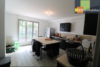 Proche CHAUSSIN vends très belle maison de 6 pièces, 196 m² , garage sur 1100m² de terrain clos., Cuisine équipée 20m²