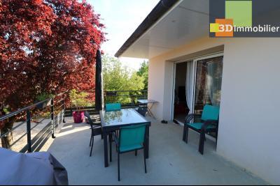 Chaussin, vends confortable maison, de 5 pièces, 83 m² habitables, s/sol sur 1300m² de terrain clos., IDEM