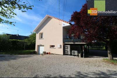 Chaussin, vends confortable maison, de 5 pièces, 83 m² habitables, s/sol sur 1300m² de terrain clos., coté gauche