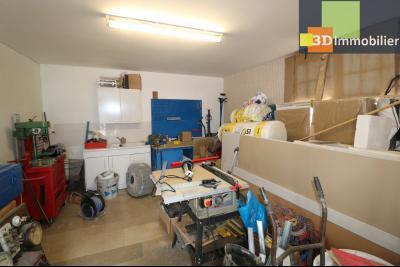 Poligny centre vends maison de ville de 7 pièces, 130m² habitables sur 200m² de terrain et garage., 1 pièce à aménager 10m²