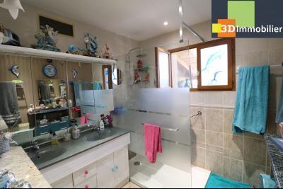 CHAUSSIN (campagne) vends agréable maison de plein-pied, 6 pièces, 118m² sur 2500m² de terrain clos, douche à l