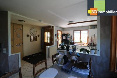 CHAUSSIN (campagne) vends agréable maison de plein-pied, 6 pièces, 118m² sur 2500m² de terrain clos, entrée