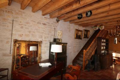 Secteur Dole, vends superbe maison bourgeoise de 24 pièces, 400m² habitables sur 2250m² de terrain., idem