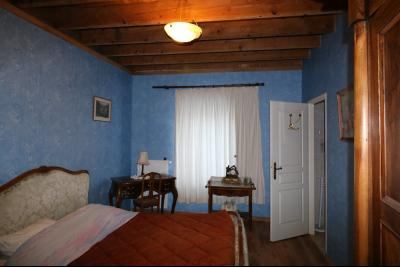 Secteur Dole, vends superbe maison bourgeoise de 24 pièces, 600m² habitables sur 2850m² de terrain., idem