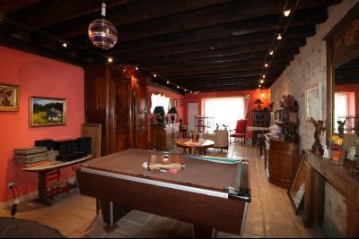 Secteur Dole, vends superbe maison bourgeoise de 24 pièces, 400m² habitables sur 2250m² de terrain., salle de réception 1 50m²