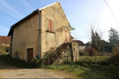 VENTE Secteur TOULOUSE LE CHATEAU, A VENDRE maison à restaurer dans sa totalité- 94 m², façade exposée ouest, entourée de 400 m² de terrain