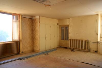 VENTE Secteur TOULOUSE LE CHATEAU, A VENDRE maison à restaurer dans sa totalité- 94 m², cuisine/salon/salle à manger
