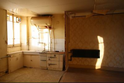 VENTE Secteur TOULOUSE LE CHATEAU, A VENDRE maison à restaurer dans sa totalité- 94 m², cuisine ouverte sur le salon/salle à manger