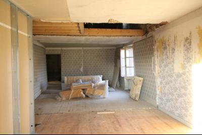 VENTE Secteur TOULOUSE LE CHATEAU, A VENDRE maison à restaurer dans sa totalité- 94 m², pièces 3 et 4 de 21 m² et 14 m²env.