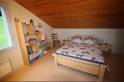 A VENDRE proche COUSANCE-39190, MAISON  de 240 m² env. 2 LOGEMENTS sur terrain de 1 000 m² env., Chambre 6 de 9.40 m² au niveau
