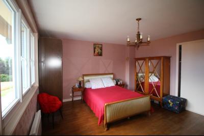 A VENDRE proche COUSANCE-39190, MAISON  de 240 m² env. 2 LOGEMENTS sur terrain de 1 000 m² env., Chambre 3 parentale de 21 m² au niveau 2