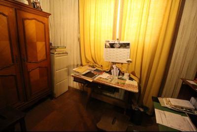 VENTE ST AMOUR-(39160), MAISON de 150 m² env.3 chambres, garages, véranda, terrasse, terrain 3360 m², bureau de 8 m² env.