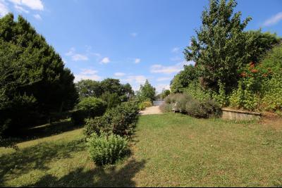 VENTE secteur ST AMOUR (39160): MAISON de 125 m² env., véranda de 28 m² terrasse, terrain 3360 m², terrain