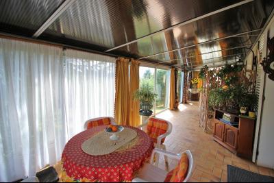 VENTE ST AMOUR-(39160), MAISON de 150 m² env.3 chambres, garages, véranda, terrasse, terrain 3360 m², terrain de 3000 m² env.