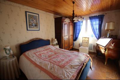 VENTE ST AMOUR-(39160), MAISON de 150 m² env.3 chambres, garages, véranda, terrasse, terrain 3360 m², chambre de 13 m² env.