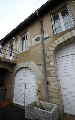 VENTE LONS-LE-SAUNIER (39-JURA), MAISON DE VILLAGE sur sous-sol, 2 chambres, 100 m² de jardin env.,