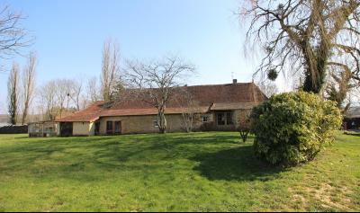 VENTE secteur LONS-LE-SAUNIER (39)-JURA, VENDS ANCIENNE FERME A RÉNOVER, 2 CHAMBRES, TERRAIN, terrain de 1670 m² env.