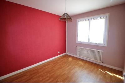 VENTE LONS-LE-SAUNIER (39-JURA), VENDS APPARTEMENT 76 m² env, 3 chambres, balcon, garage, 1er étage, Chambre 3