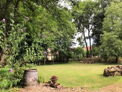 Axe Lons-le-saunier/Arbois 39 Vends grande Propriété viticole à restaurer sur terrain 4750m²env., Terrain clos de 4750m²env. avec parc paysagé