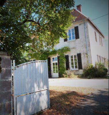 ORGELET 39270 JURA 10mn Vends Ancienne Ecole-Mairie rénovée - 166m²env. s/terrain 1217m²env., L