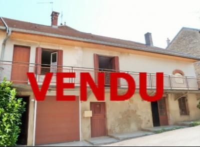 LONS-le-SAUNIER 11km Vends Maison à rénover- 1er étage appartement, rez-de-chaussée atelier, garage, Maison à rénover en pierres avec pigeonnier
