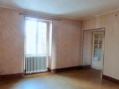 LONS-le-SAUNIER 11km Vends Maison à rénover- 1er étage appartement, rez-de-chaussée atelier, garage, belles possibilités d