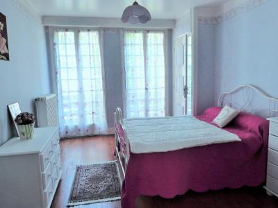 MOIRANS-en-MONTAGNE 39260 JURA Proche Lacs vends Belle Villa 290m²env. possibilité 2 à 3 logements, Niveau 2 - Chambre 4  -14.10m²env.- avec salle d