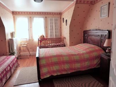 MOIRANS-en-MONTAGNE 39260 JURA Proche Lacs vends Belle Villa 290m²env. possibilité 2 à 3 logements, Niveau 2 - Chambre 5 - 18.15m²env.- avec salle d