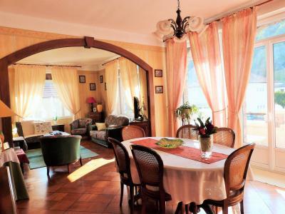 MOIRANS-en-MONTAGNE 39260 JURA Proche Lacs vends Belle Villa 290m²env. possibilité 2 à 3 logements, Lumineux séjour double  41.80 m²env.