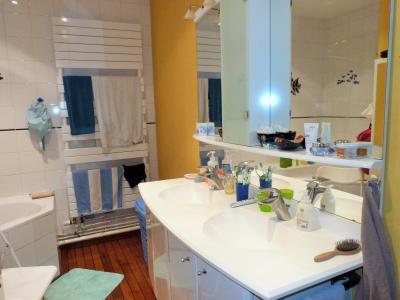 LONS-LE-SAUNIER 39000 JURA Plein Centre Appartement 139m²env. 1er étage - 3 chambres., Salle de bains 6.13m²env.