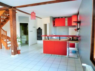 LONS-LE-SAUNIER 39000 Proche centre Vends MAISON de VILLE 60m²env. mitoyenne 1 seul côté, 2 garages, Pièce à vivre  33m²env. -  vue 1